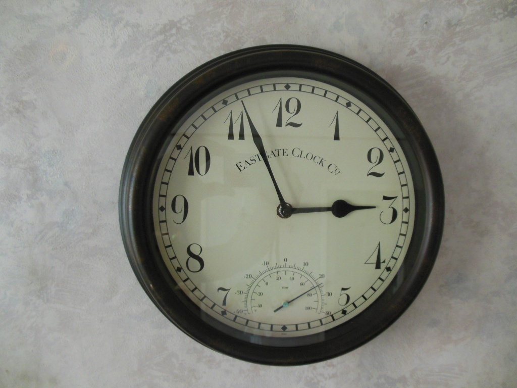 Nice vintage styled Indoor / Outdoor Eastgate clock with thermometer.